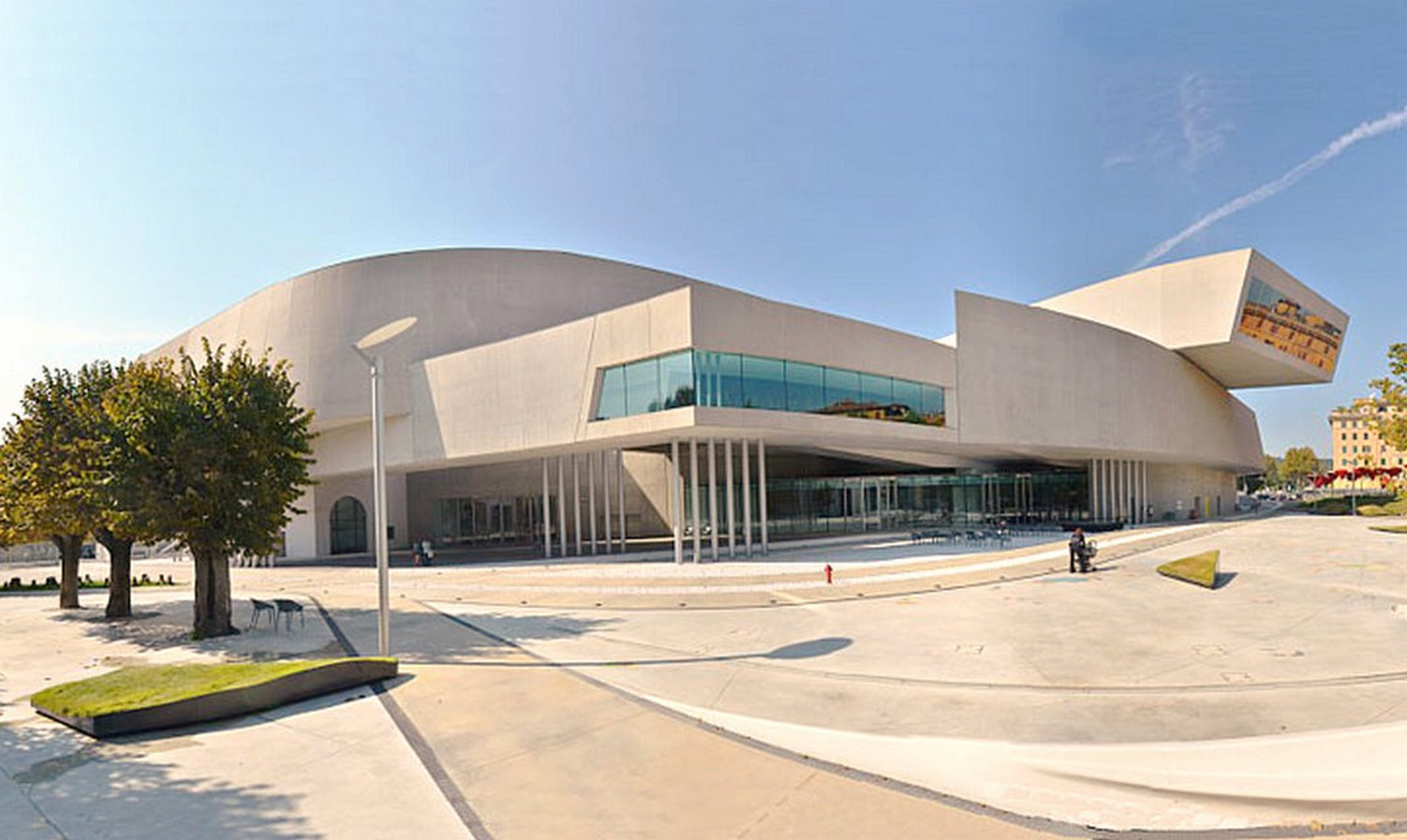 MAXXI - National Museum of 21st Century Art by Zaha Hadid: Continuity of spaces - Sheet1