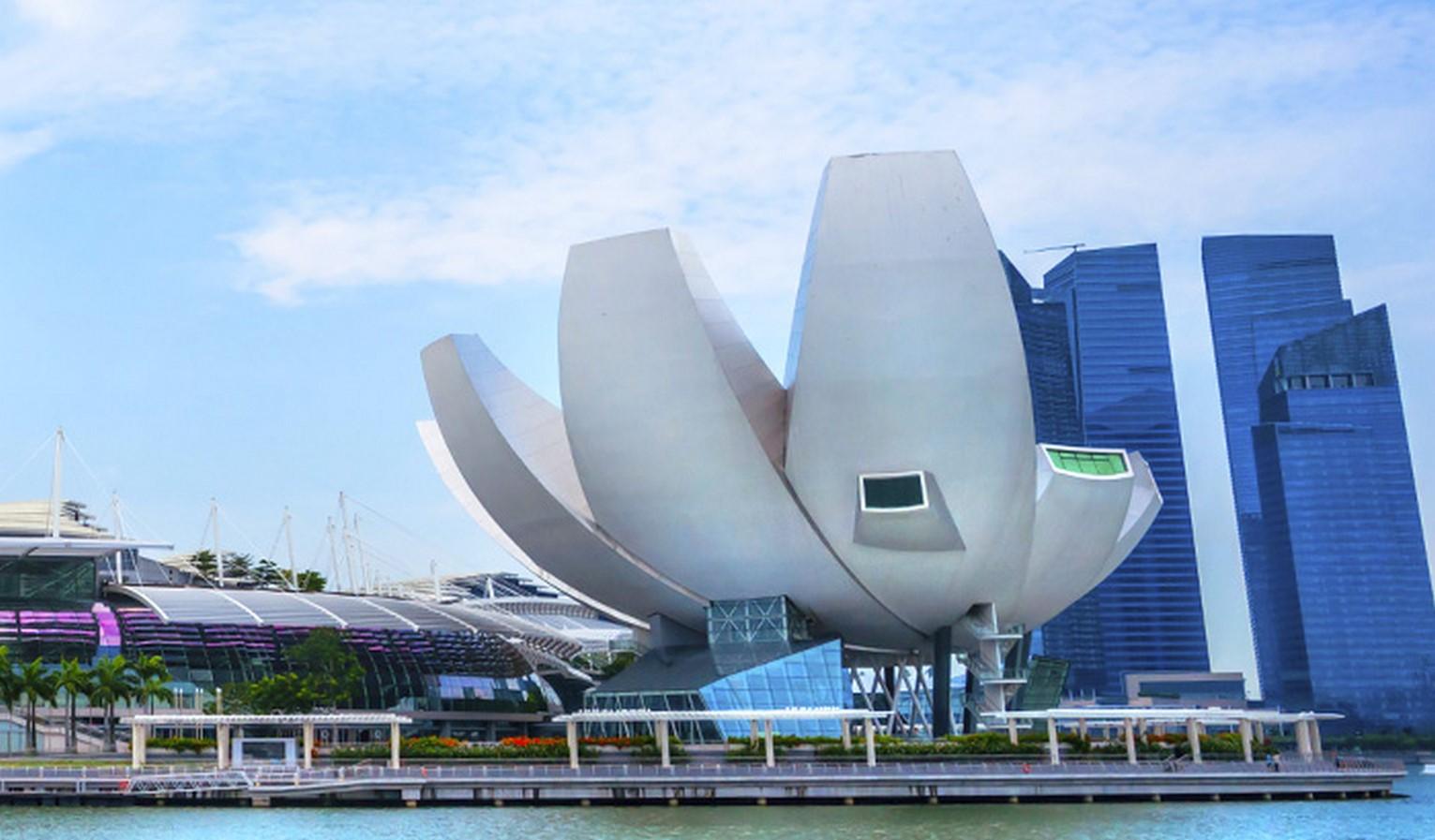 Marina Bay Sands in Singapore. - Sheet1