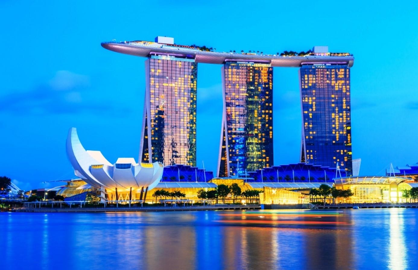 Marina Bay Sands in Singapore. - Sheet2