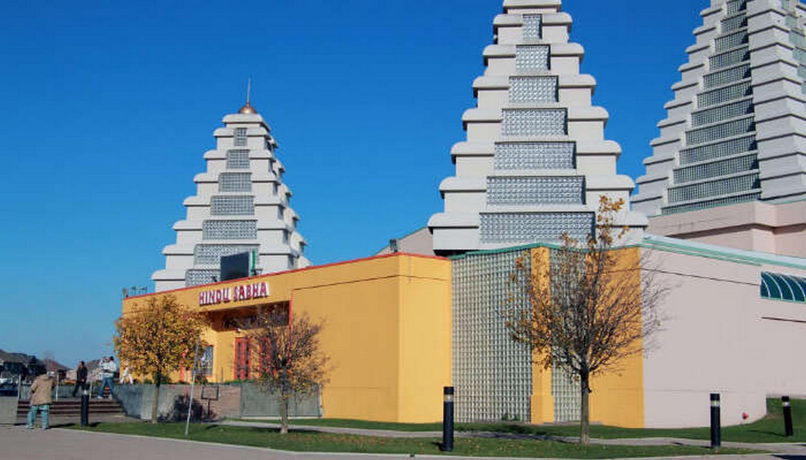 15 Temples every Architect must visit in Canada - Sheet7