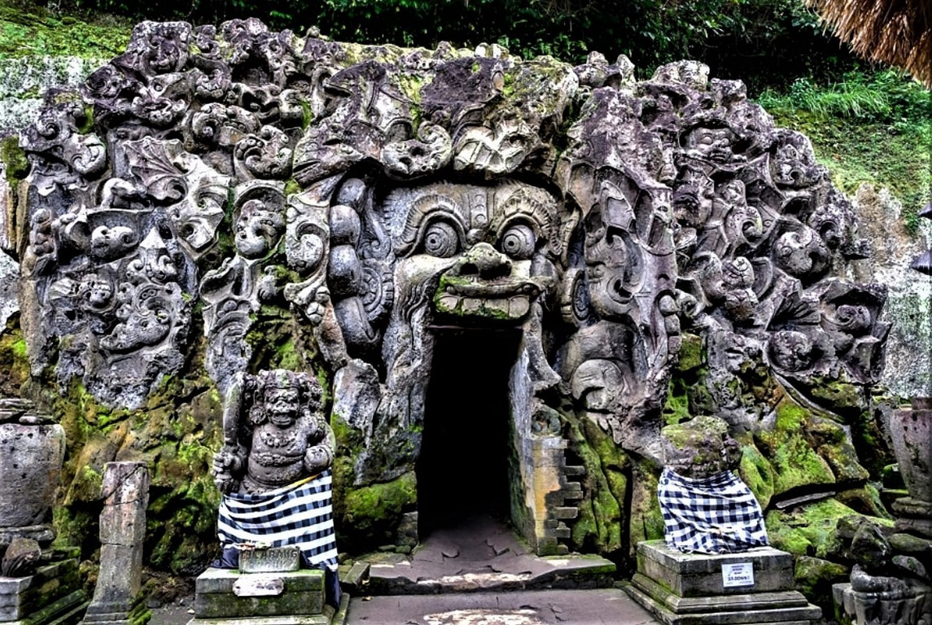 15 Temples every Architect must visit in Indonesia - Sheet4