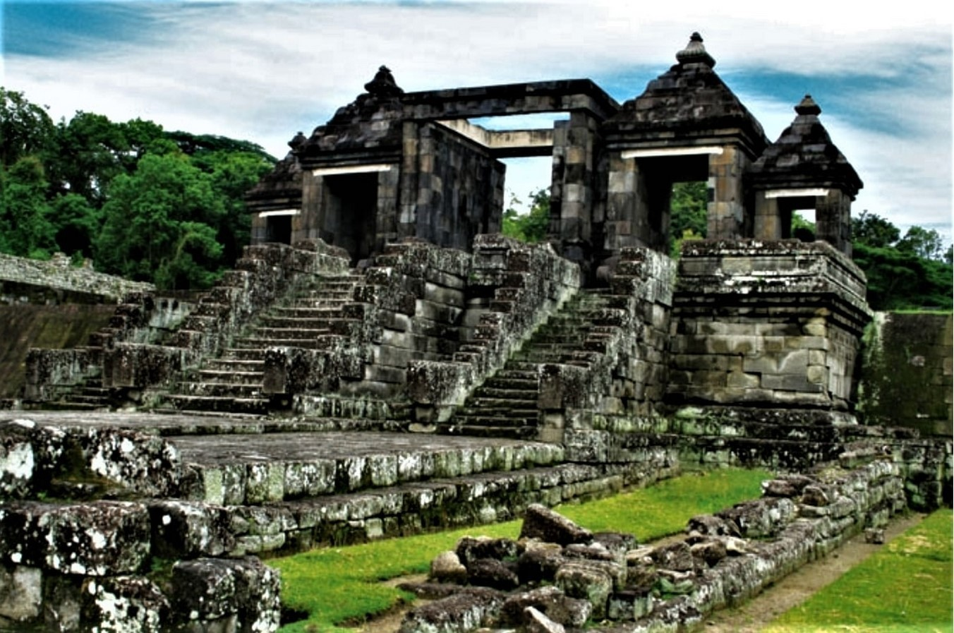 15 Temples every Architect must visit in Indonesia - Sheet6