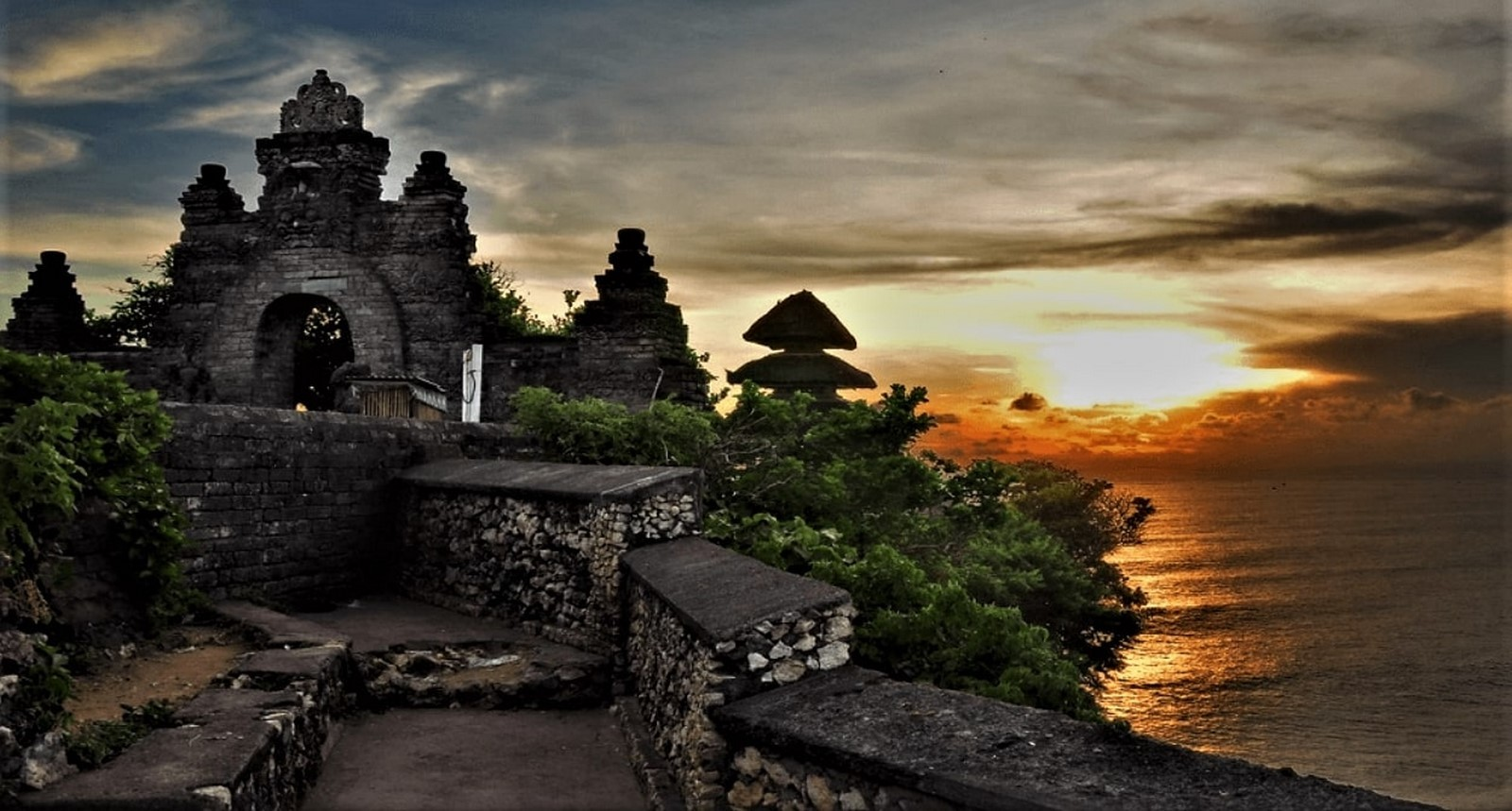 15 Temples every Architect must visit in Indonesia - Sheet8