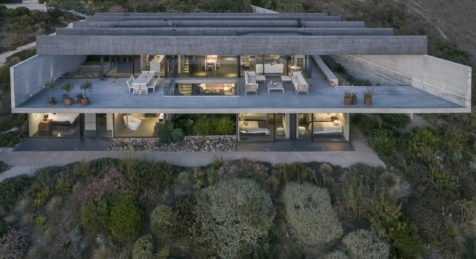 50 Examples of Modern concrete homes - Sheet29