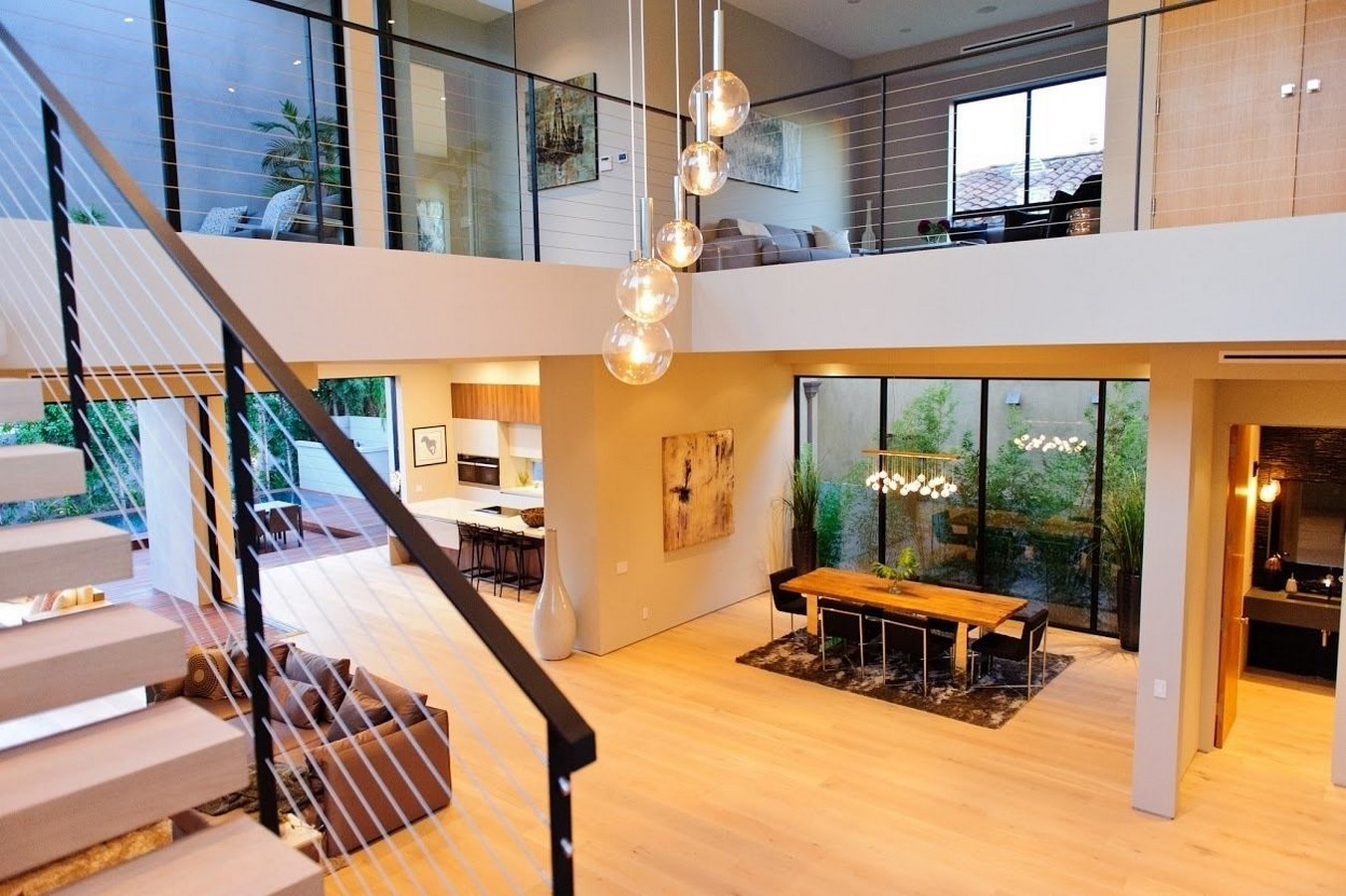 20 Examples of home with beautiful central atriums - Sheet10