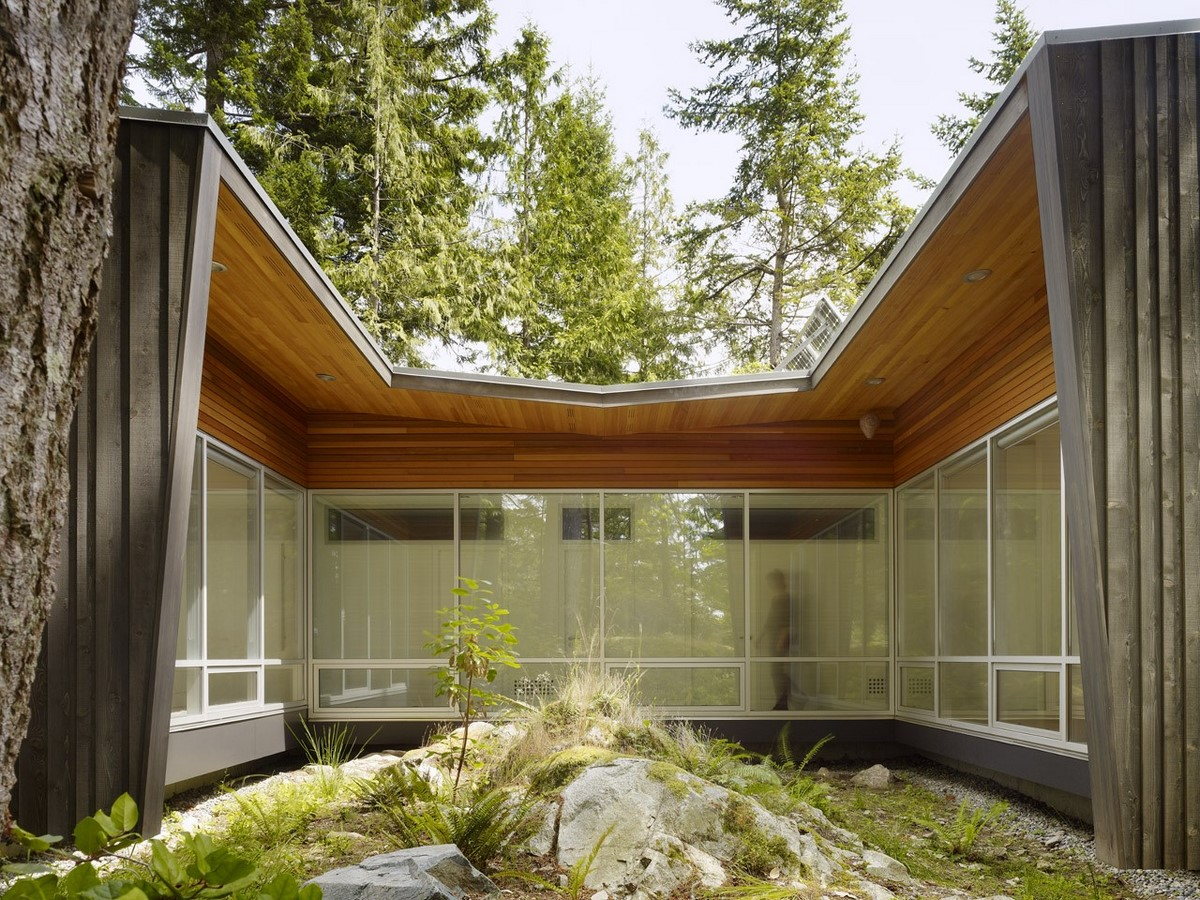 20 Examples of home with beautiful central atriums - Sheet1