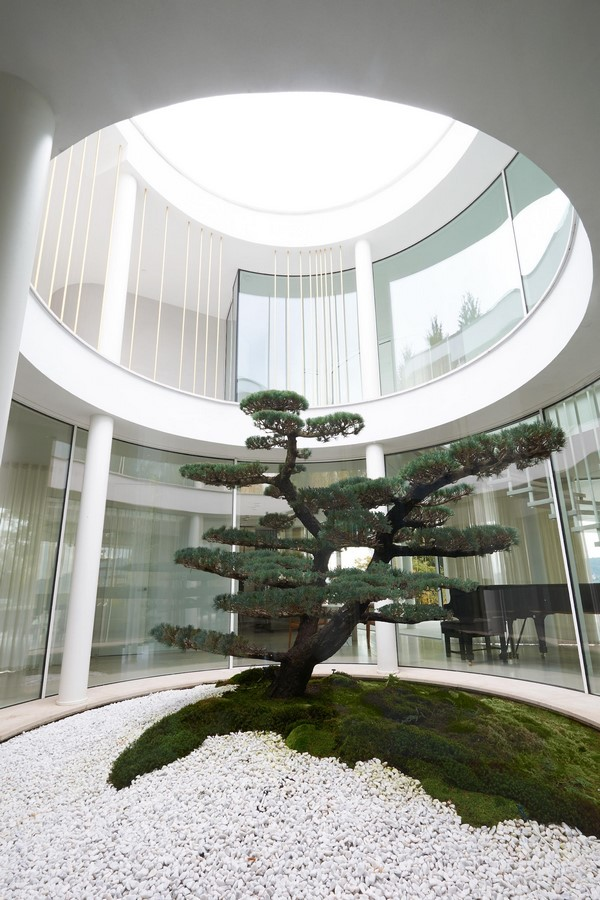 20 Examples of home with beautiful central atriums - Sheet3