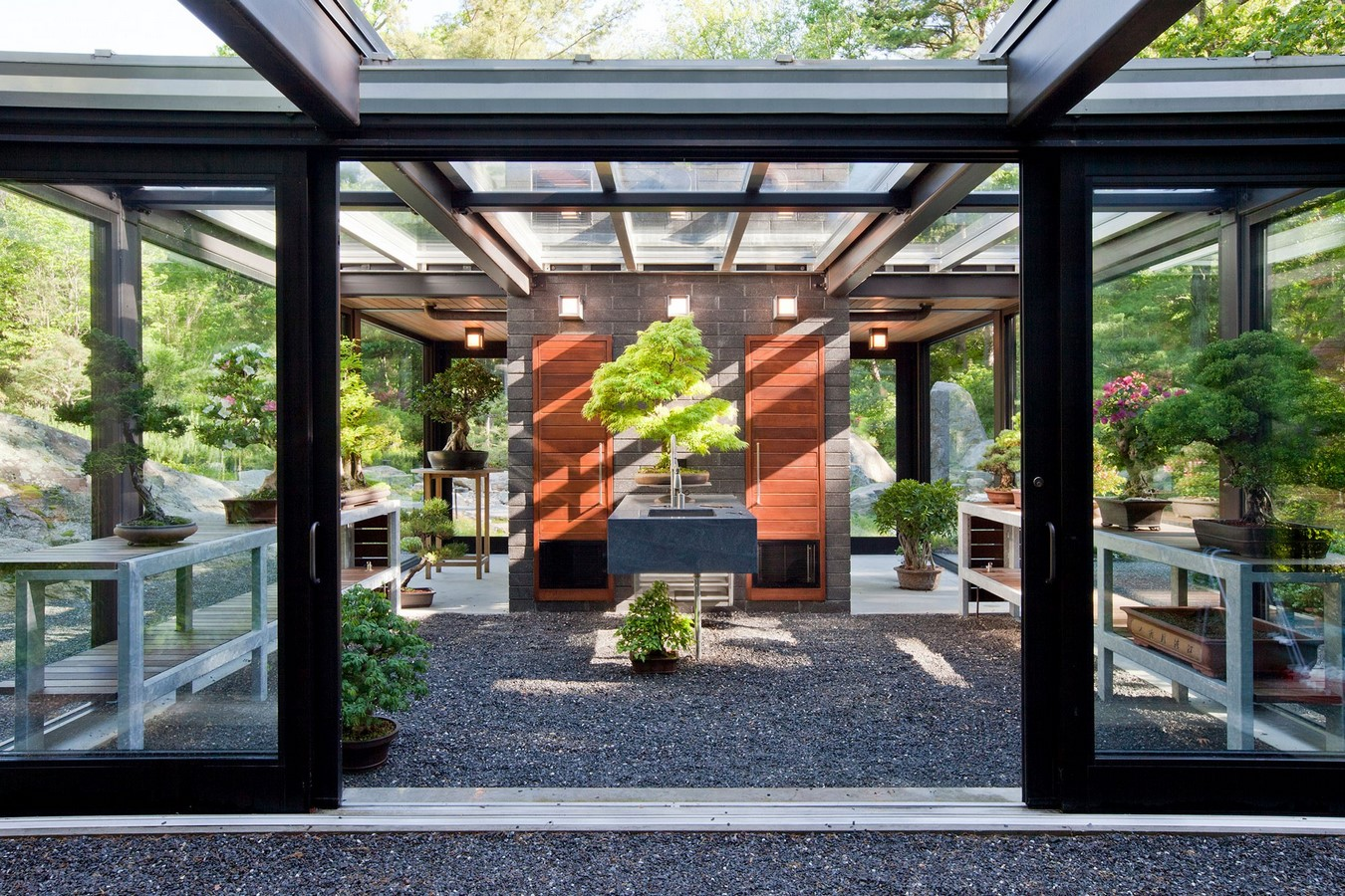 20 Examples of home with beautiful central atriums - Sheet4