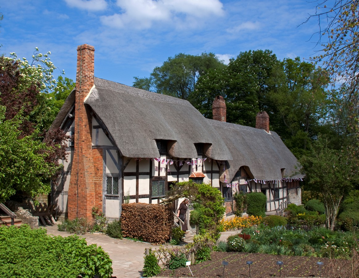 10 Things you did not know about Tudor architecture - Sheet1