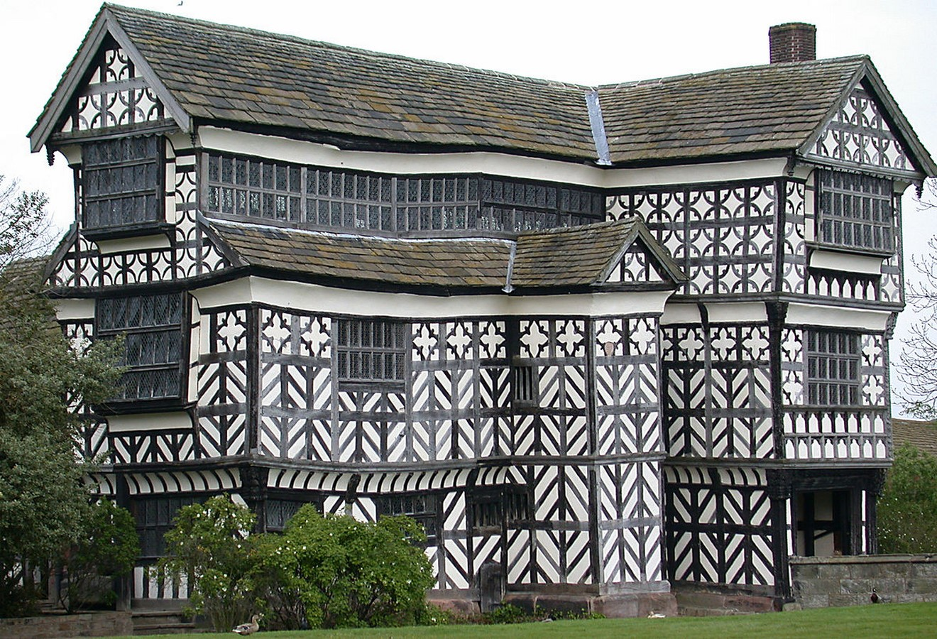 10 Things you did not know about Tudor architecture - Sheet2