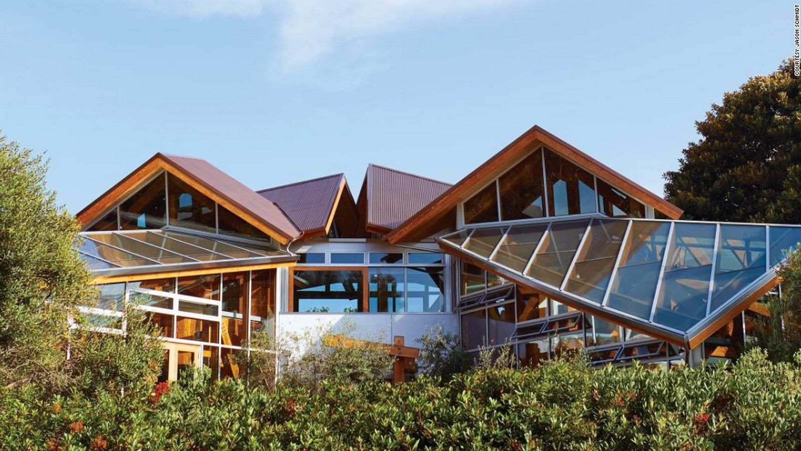 Gehry Residence by Frank Gehry: Balance between old and new - Sheet1