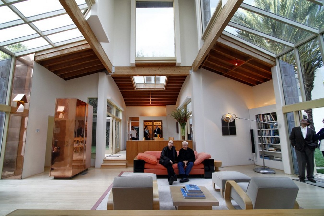 Gehry Residence by Frank Gehry: Balance between old and new - Sheet4