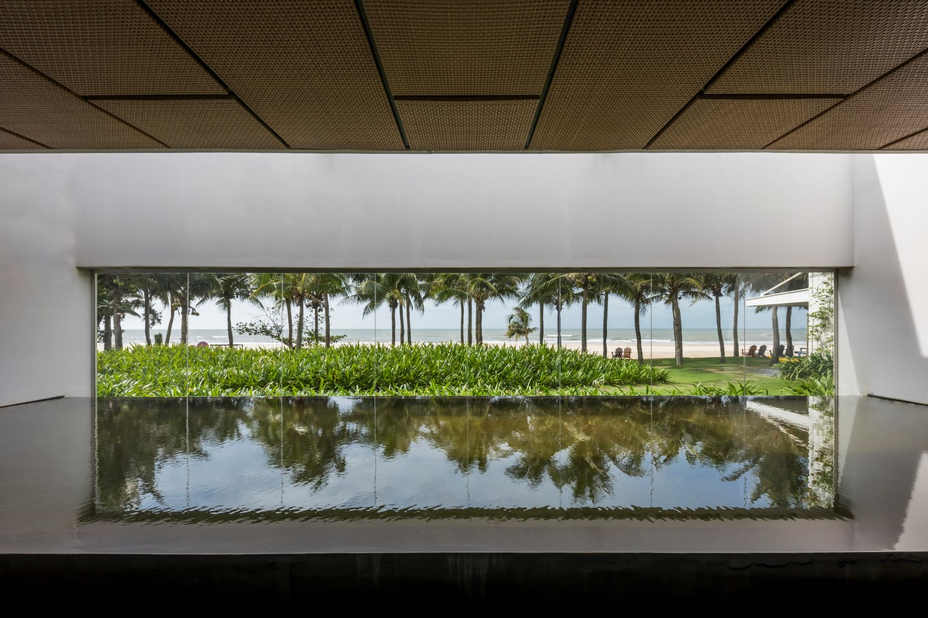 Six Landscape Boxes Form This Gallery And Showroom In Vietnam designed by MIA Design Studio - Sheet3