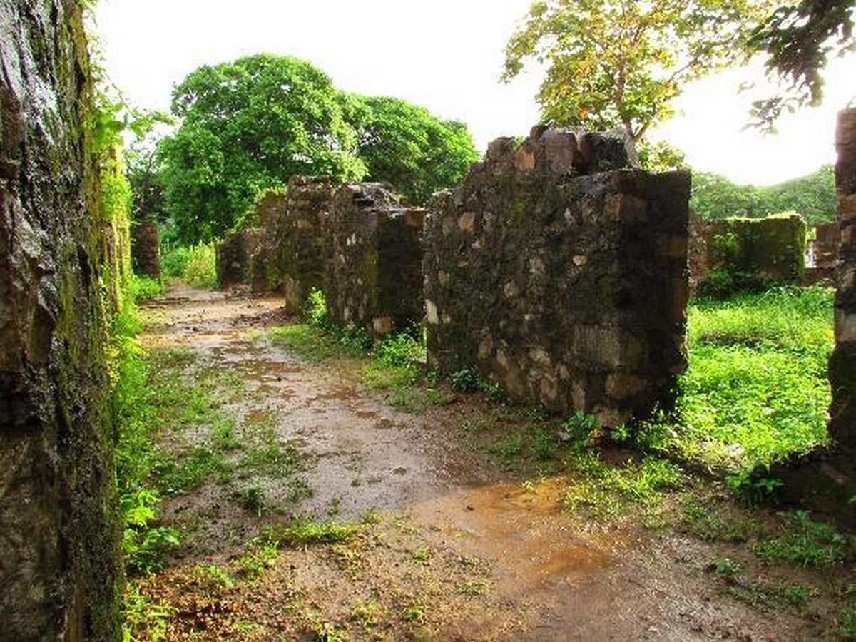Remains of Indo-Portuguese Architectural Layer in Mumbai - Sheet10