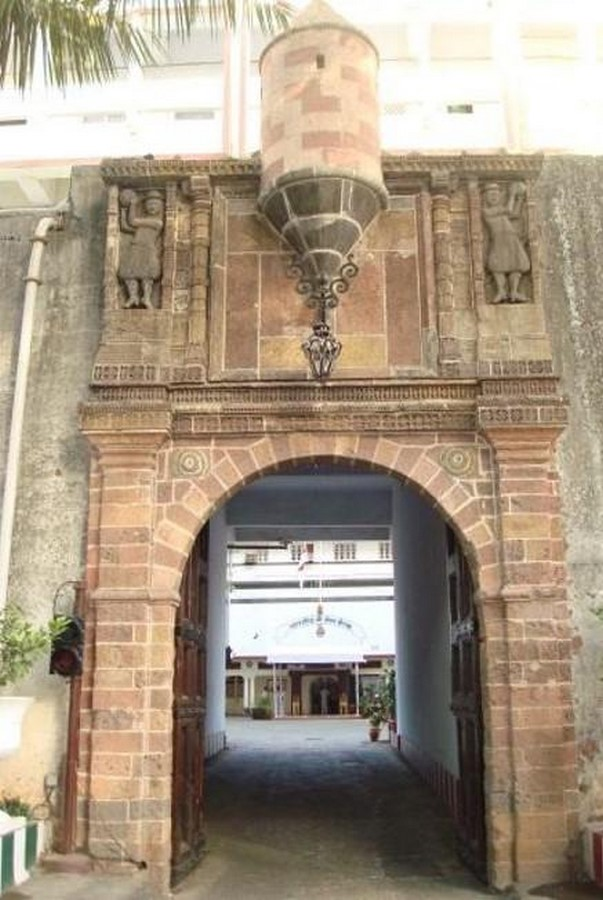 Remains of Indo-Portuguese Architectural Layer in Mumbai - Sheet11