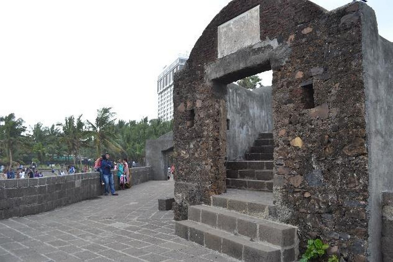 Remains of Indo-Portuguese Architectural Layer in Mumbai - Sheet4