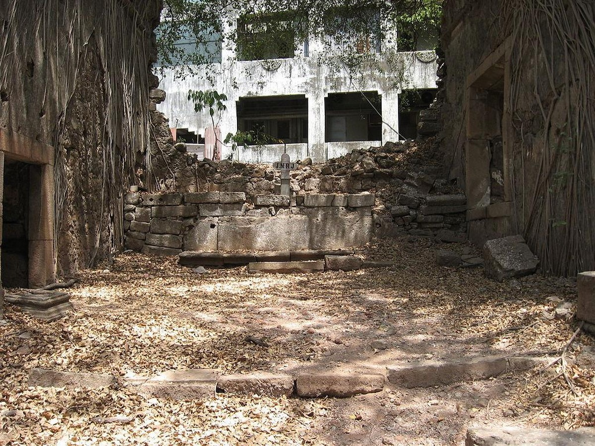 Remains of Indo-Portuguese Architectural Layer in Mumbai - Sheet8