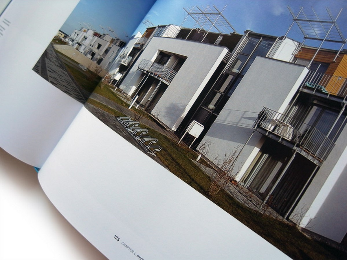 List of 10 books related to Architectural Photography - Sheet4