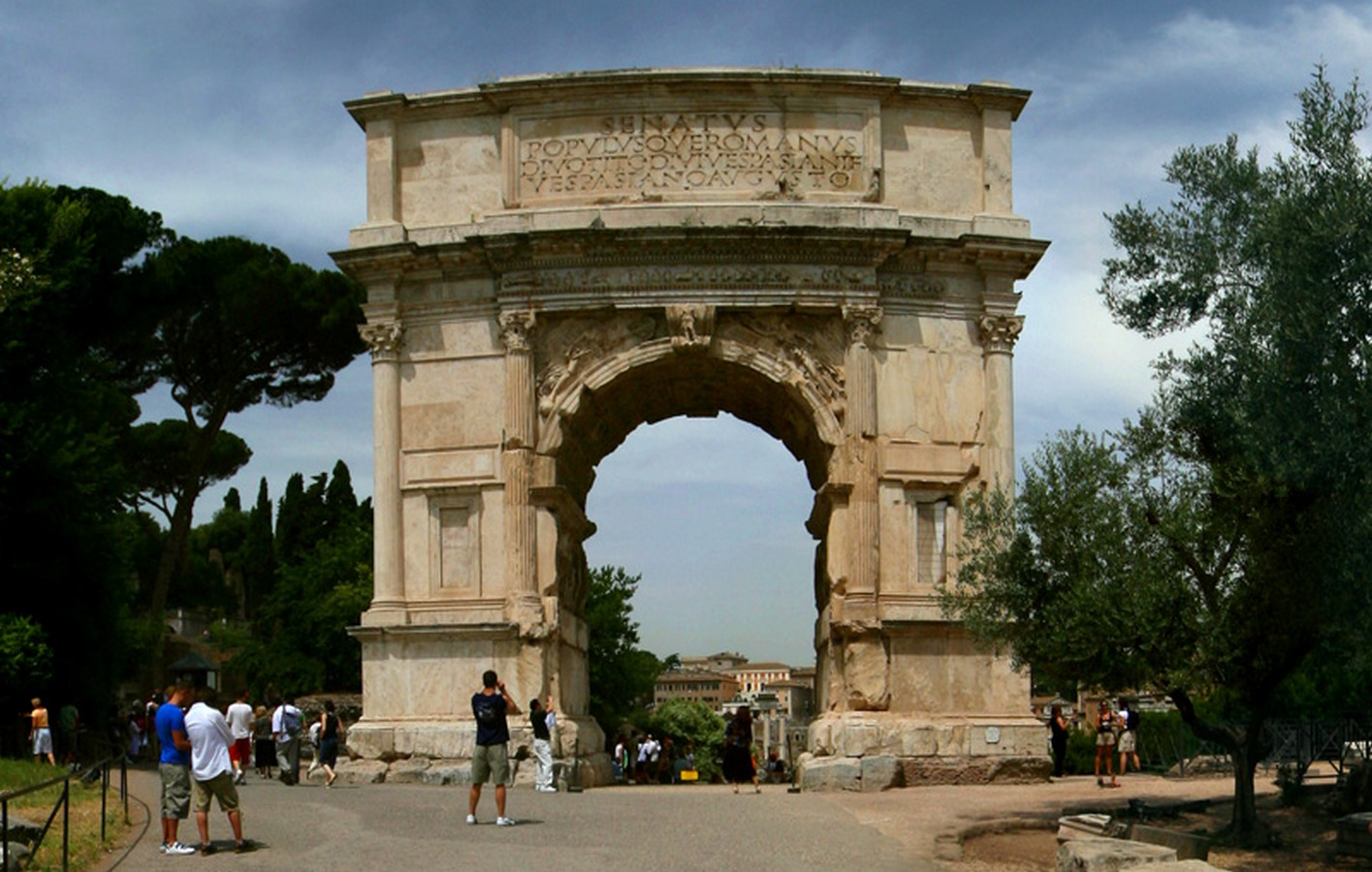 The Roman Forum, Rome: Heritage stuck in time - Sheet5