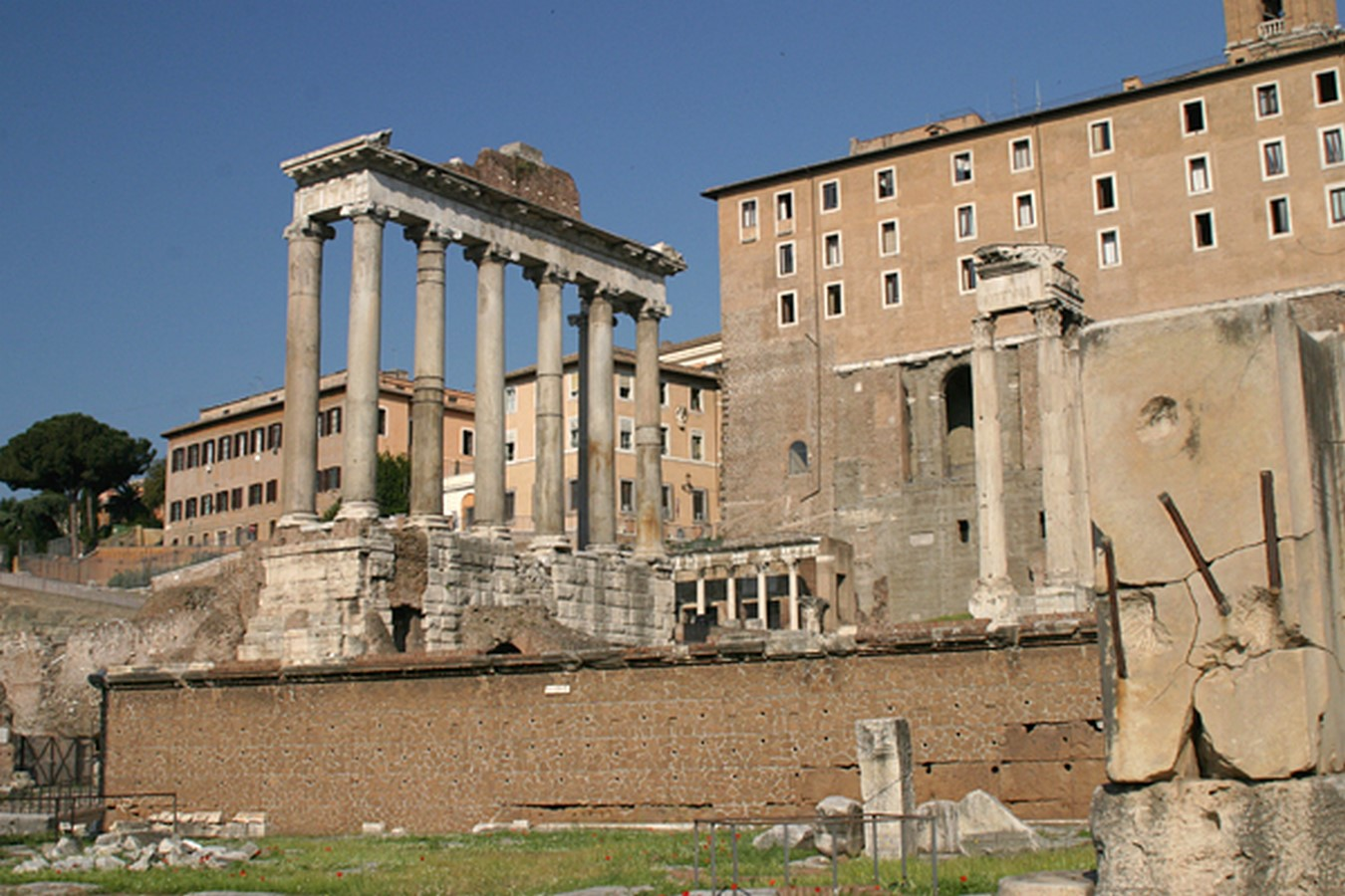 The Roman Forum, Rome: Heritage stuck in time - Sheet7