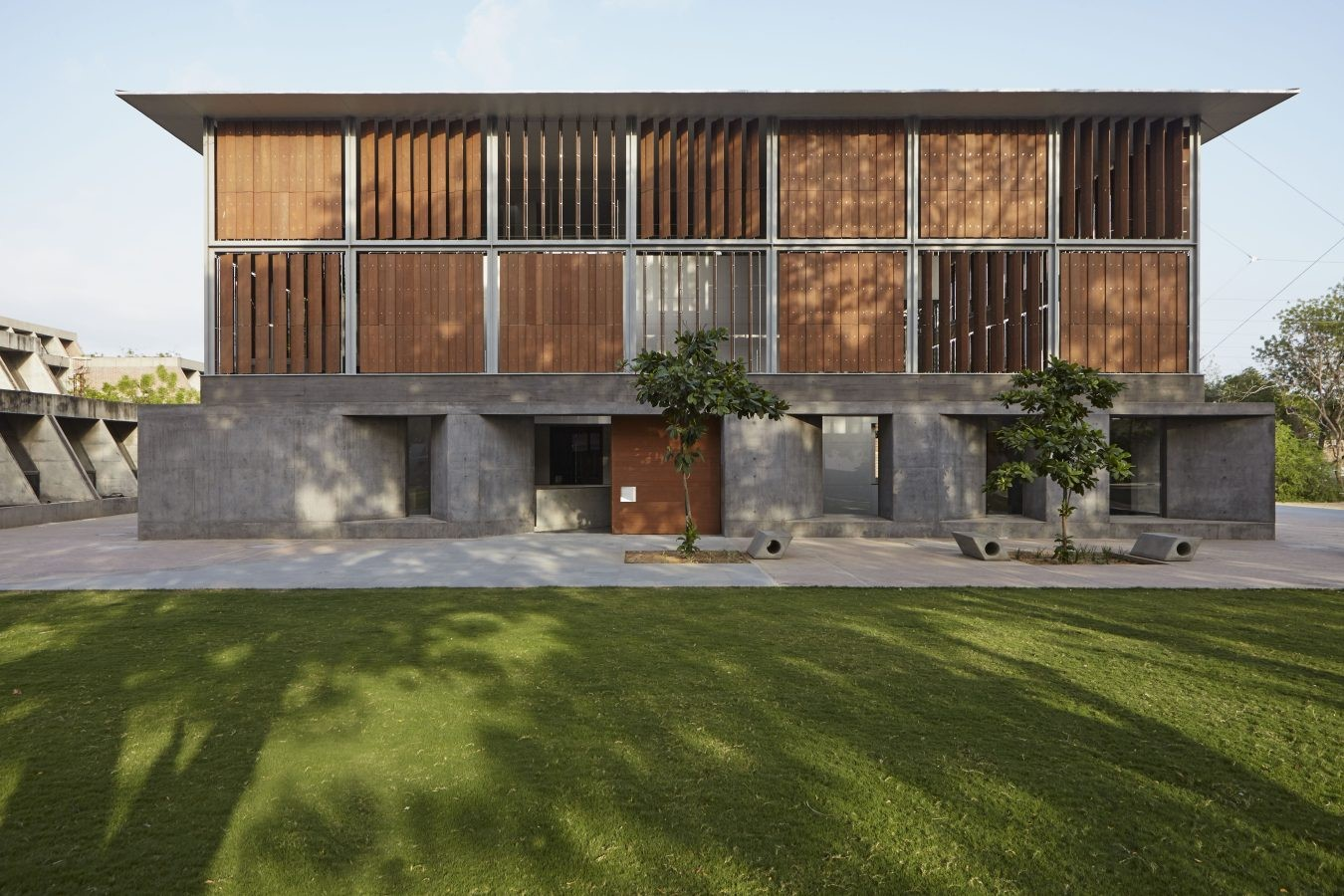 The CEPT University Library, Ahmedabad by Rahul Mehrotra: Spaces within the spaces - Sheet1