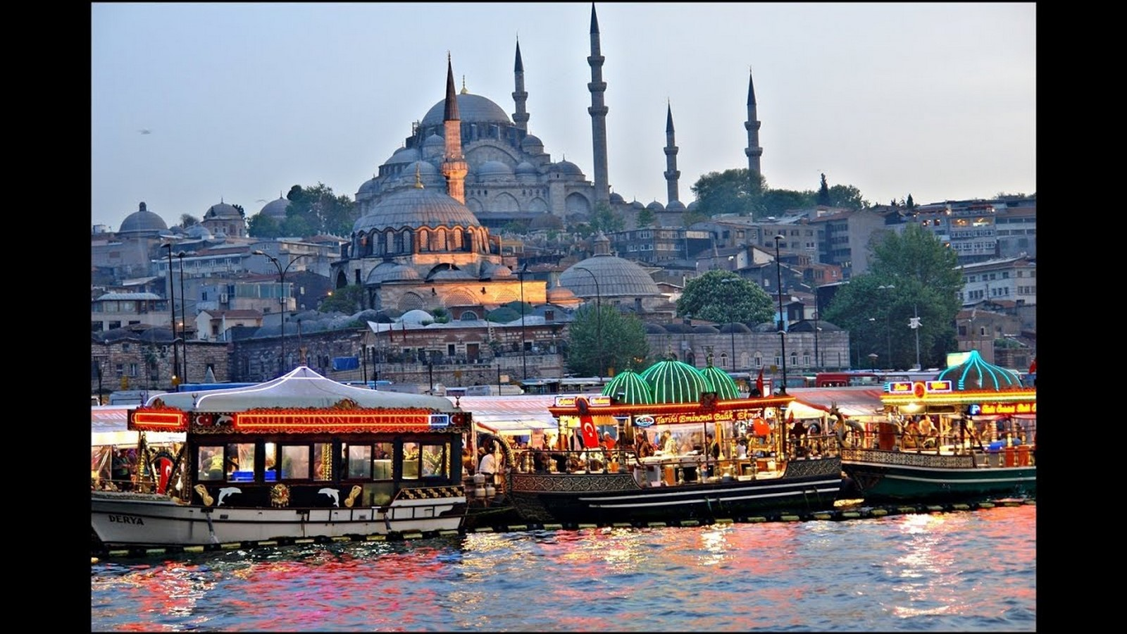 Walking through the streets of Istanbul - Sheet7