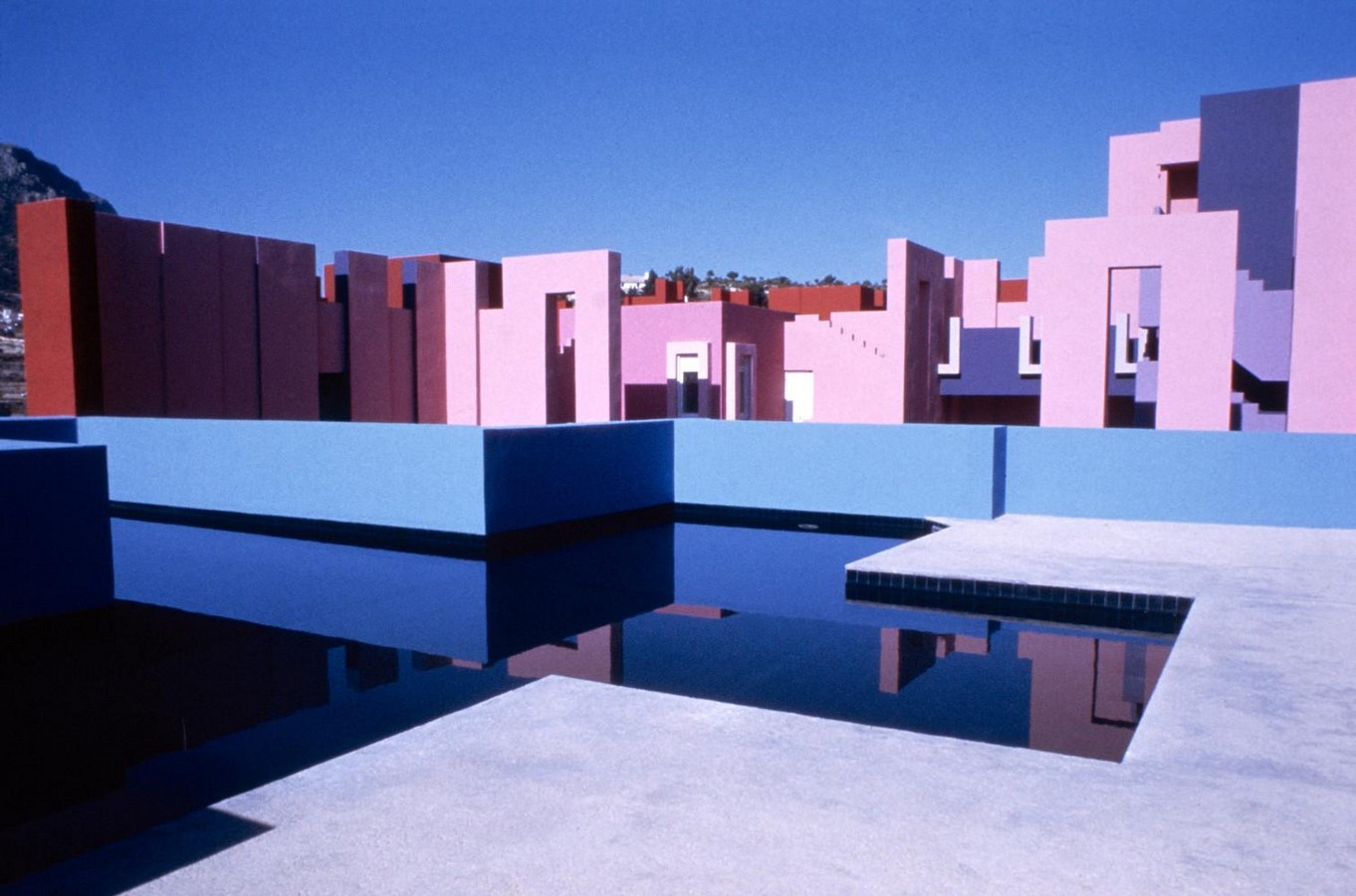Use of Colour in Architecture and Urban Design - Sheet10