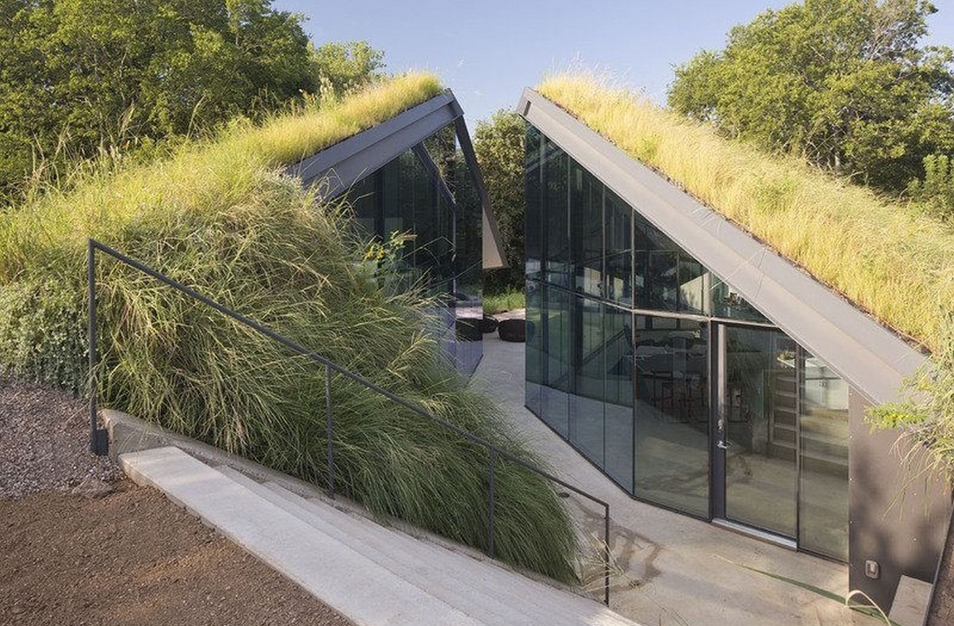 20 Futuristic homes ideas to invest in - Sheet1