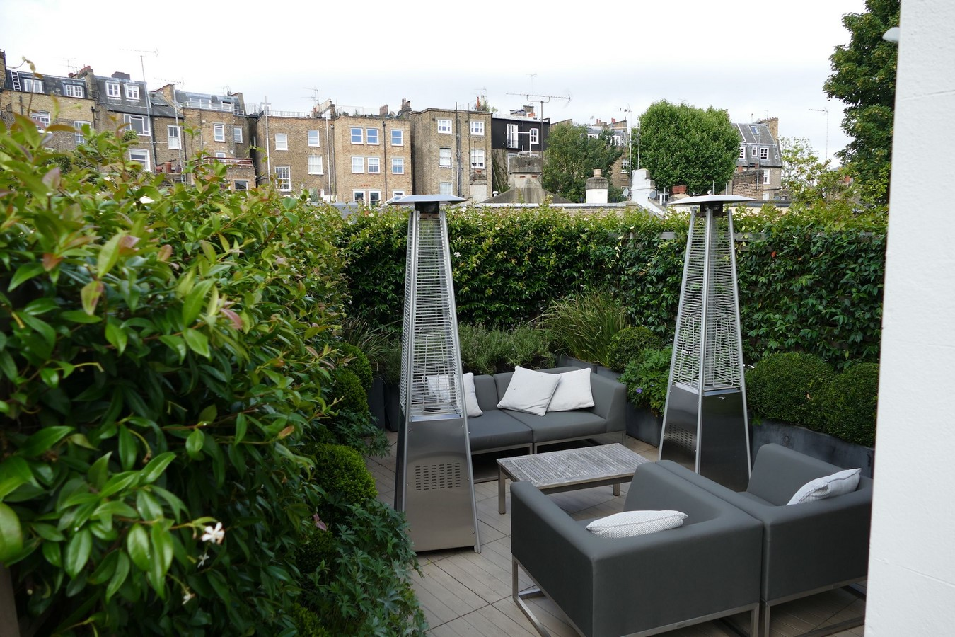 10 things to remember when designing rooftop gardens - Sheet6