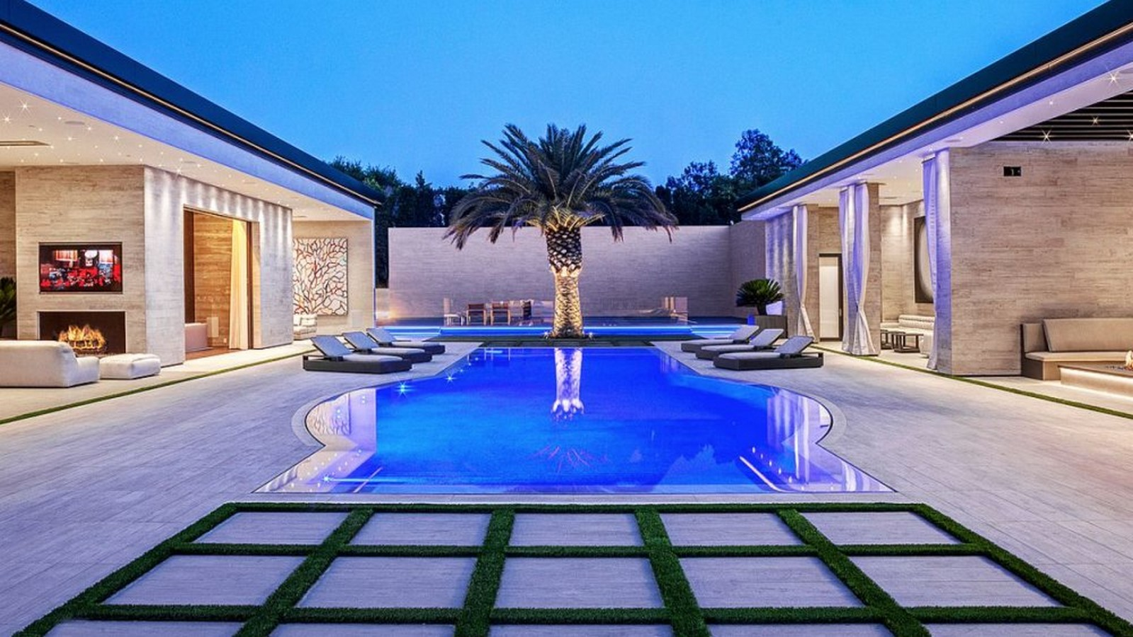 Kylie Jenner's House, Los Angeles, USA - Sheet2