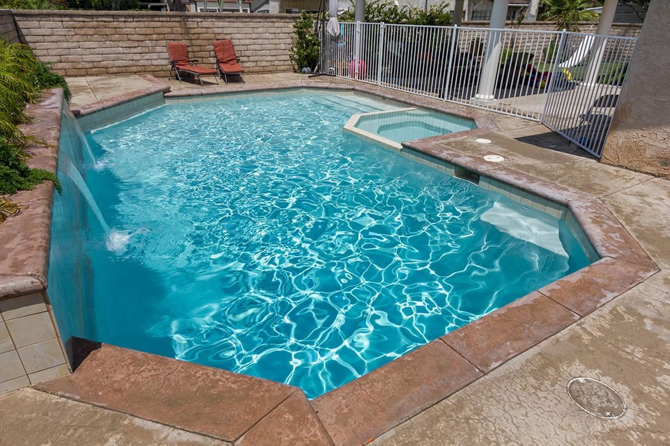 25 flooring patterns for Swimming Pools - Sheet2