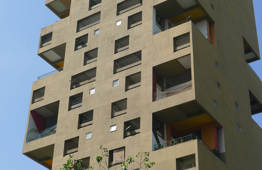 Kanchanjunga Apartments by Charles Correa: The Vertical Bungalows