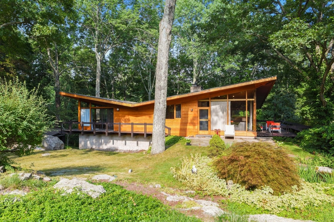 10 Examples of butterfly roofing in the Mid-Century Classic Architecture - Sheet8