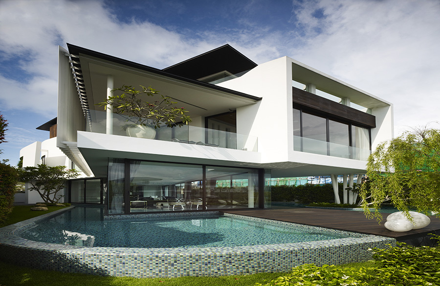 Boomerang House by Aamer Architects