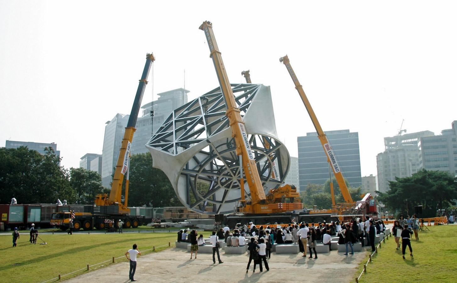 Prada Transformer, Seoul - Sheet2