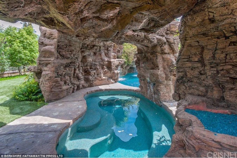Denise Richards's Villa - Sheet3