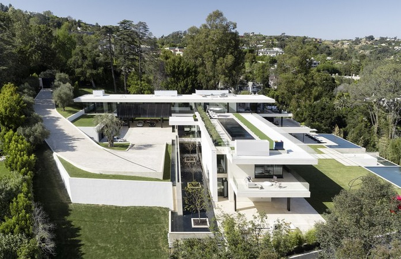 Beyonce and Jay-Z's Tiered Residence - Sheet2