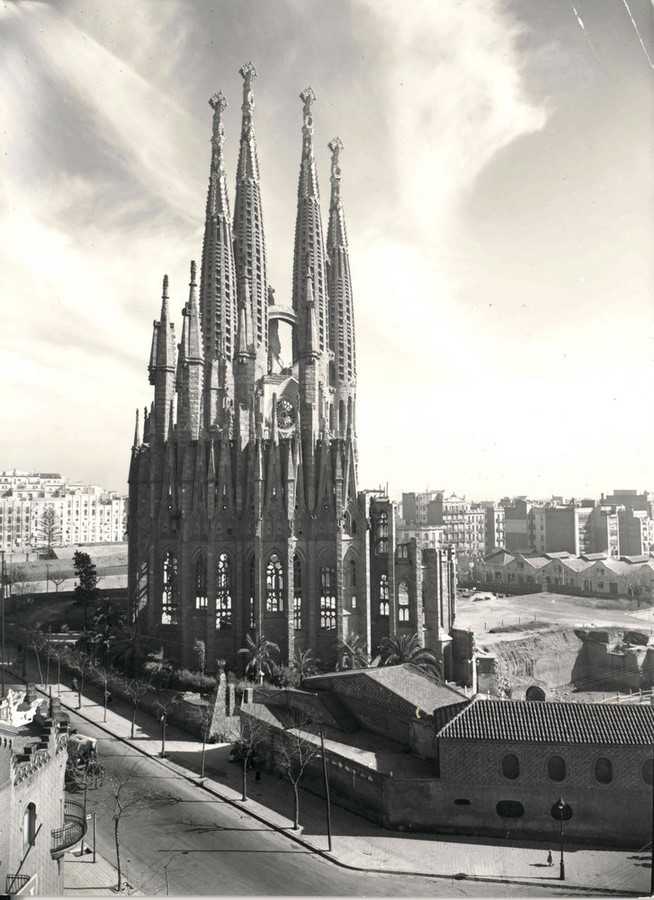 First and Last structures by Antoni Gaudi- Evolution of Design - Sheet5