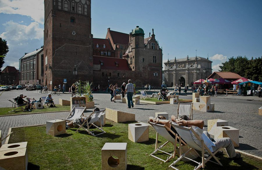 What are the benefits of Interactive and Participatory Public Urban Spaces