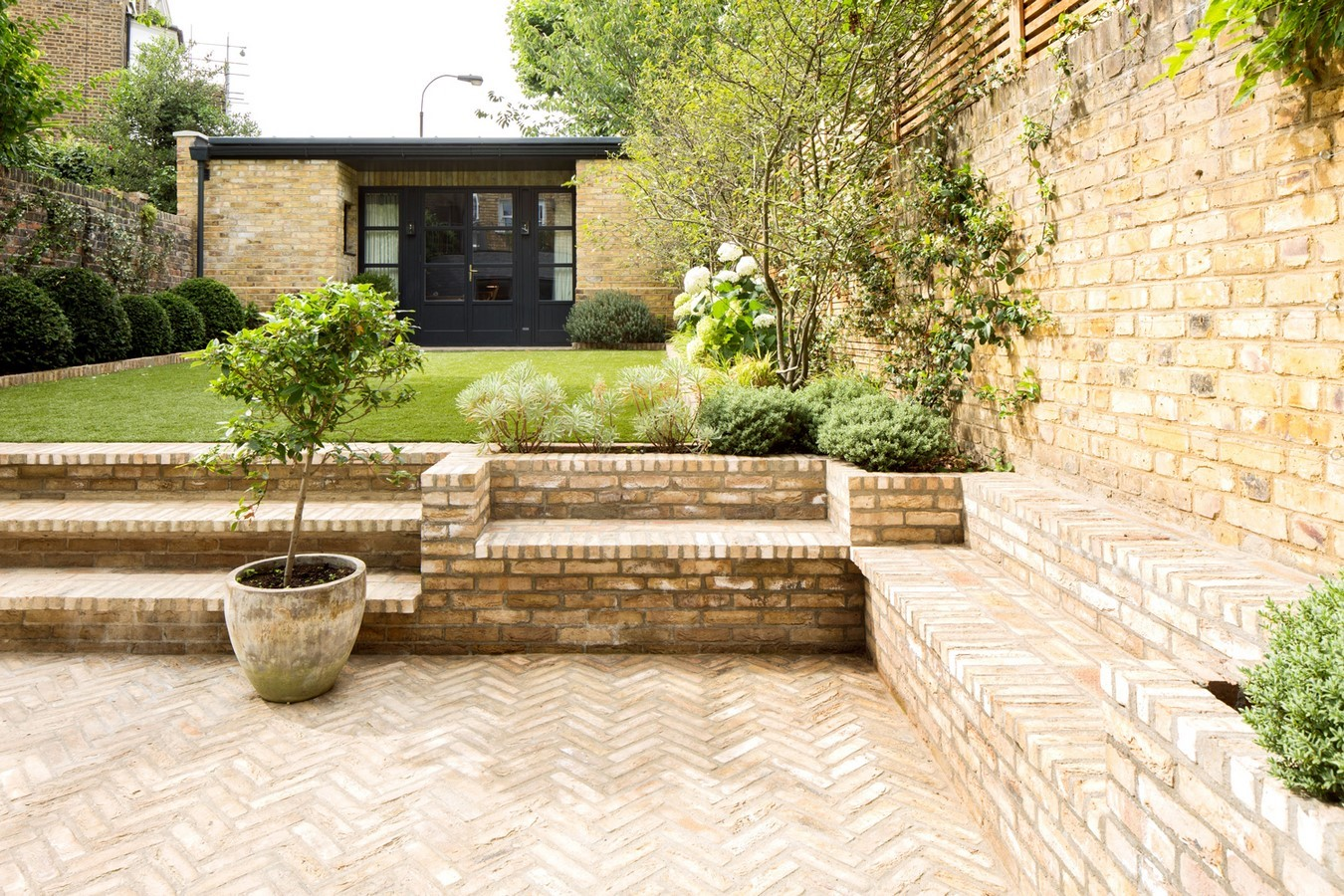 50 Ideas and Tips for Landscaping - Sheet26