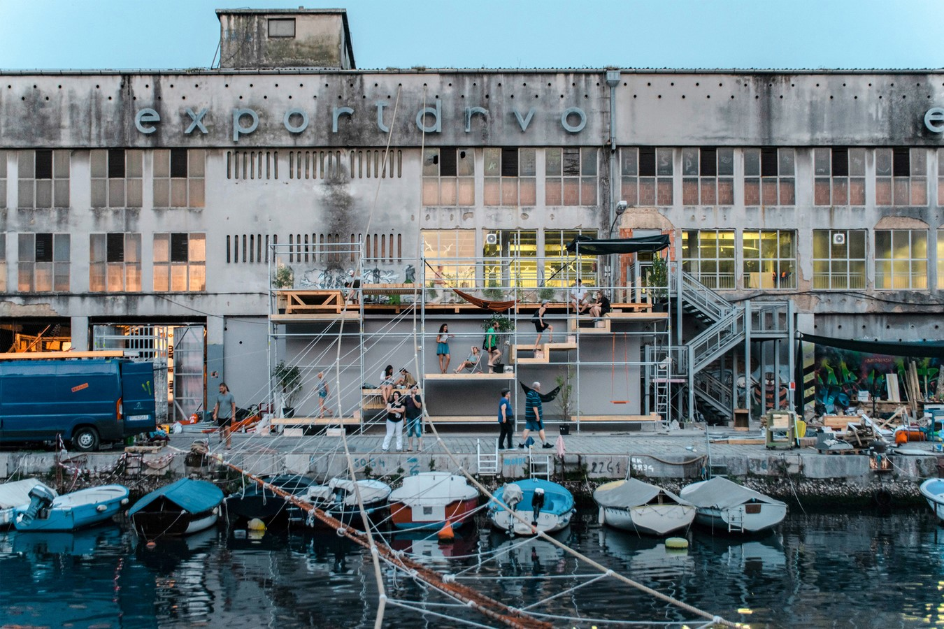 Urban regeneration through public space - Sheet10