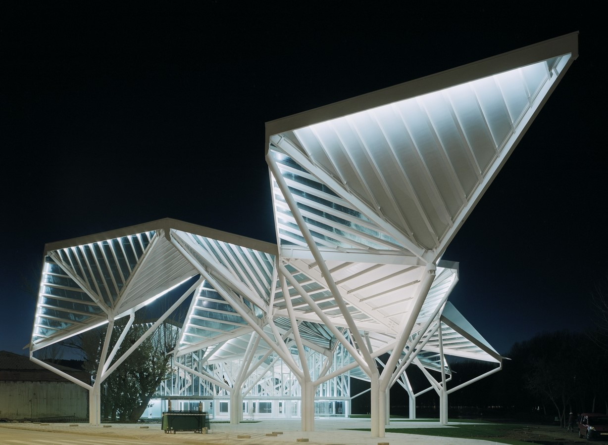 10 Examples where Origami meets Architecture - Sheet9