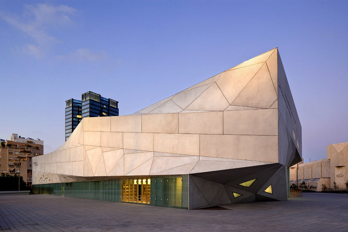 10 Examples where Origami meets Architecture - Sheet7