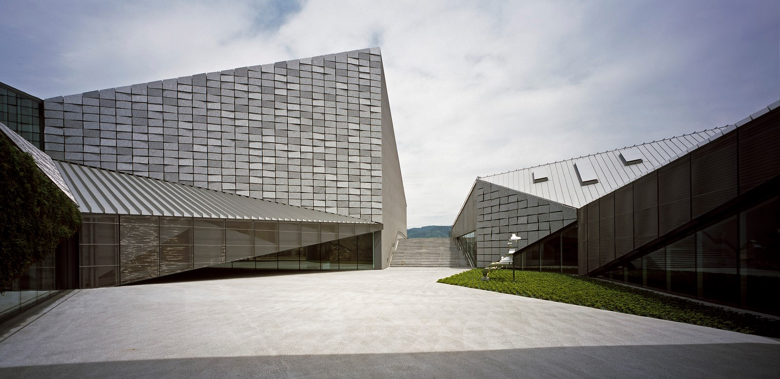 10 Examples where Origami meets Architecture - Sheet10