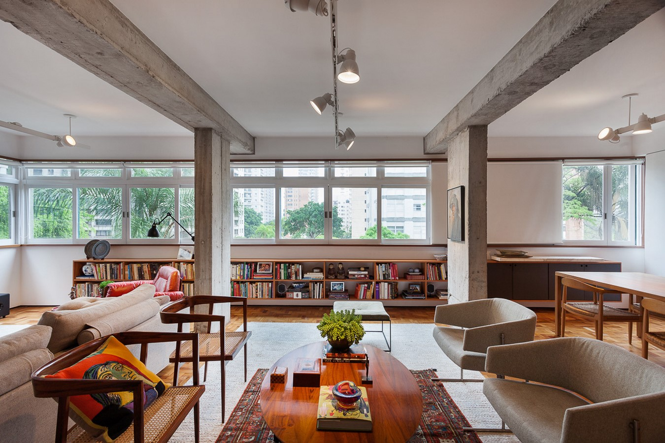 50 Living rooms enhanced by concrete - Sheet42