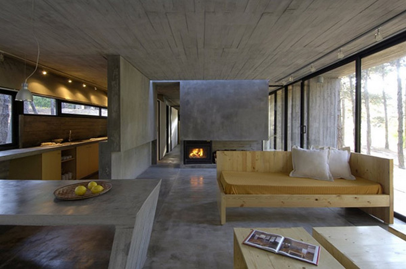 50 Living rooms enhanced by concrete - Sheet45