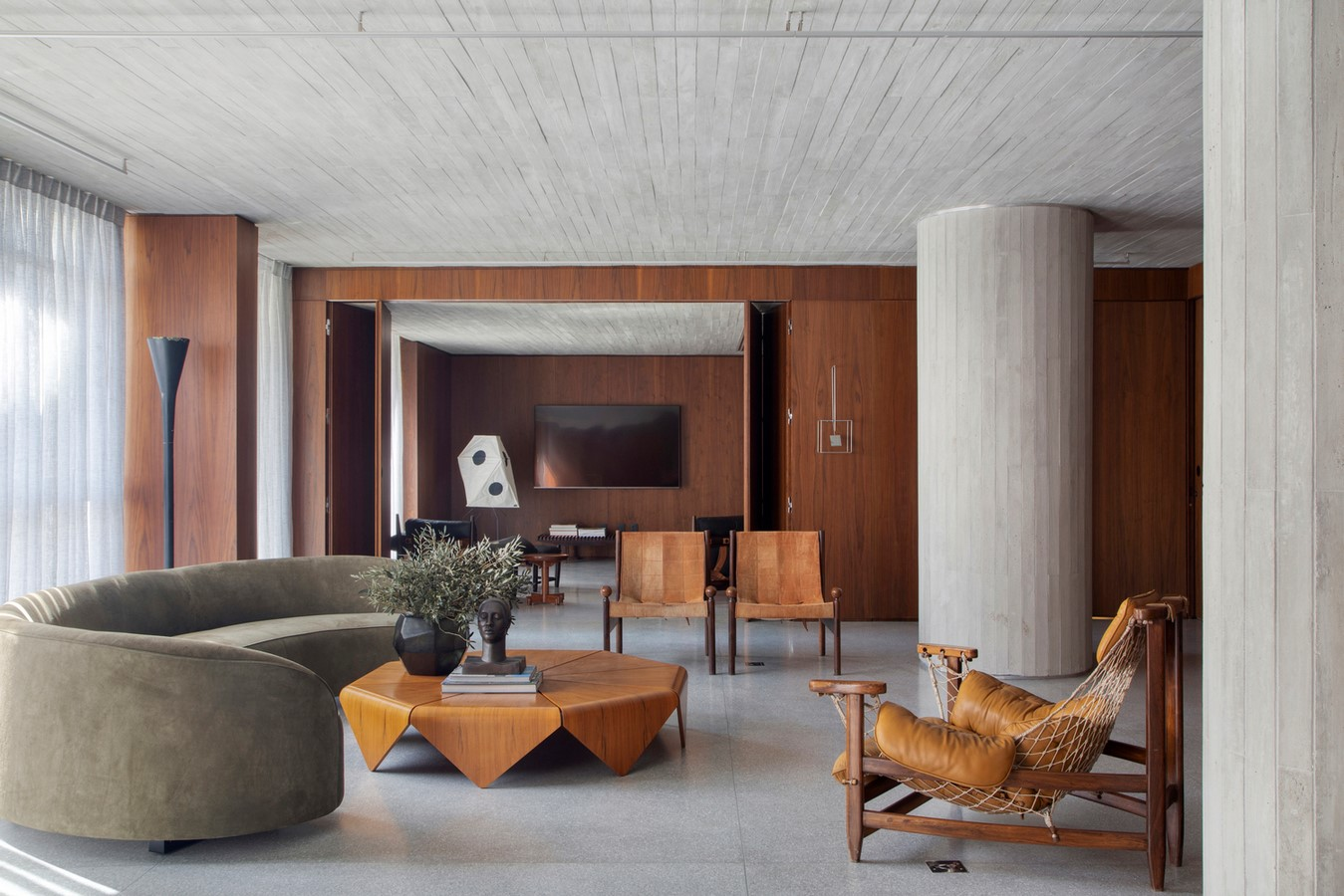 50 Living rooms enhanced by concrete - Sheet48