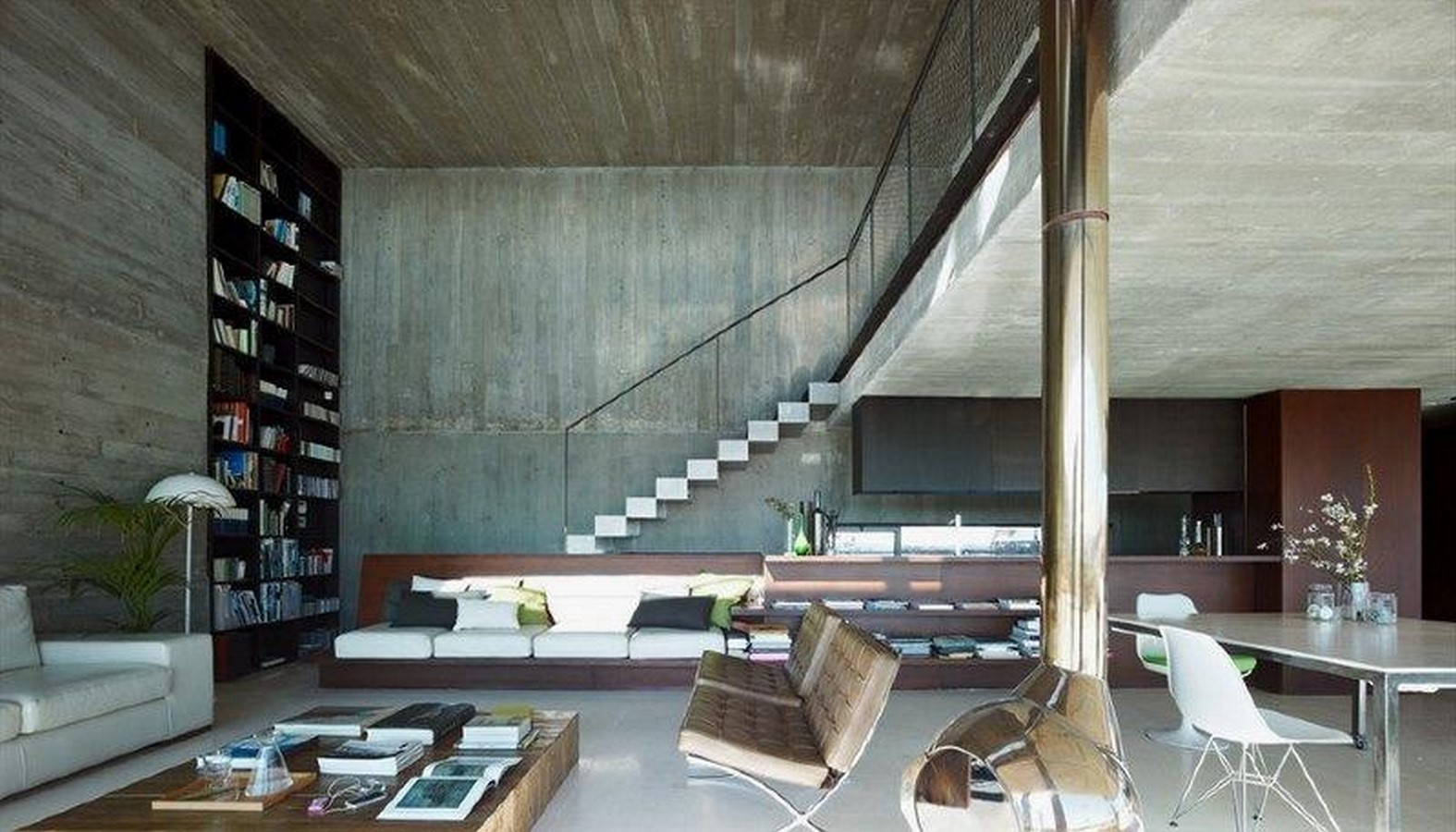 50 Living rooms enhanced by concrete - Sheet49