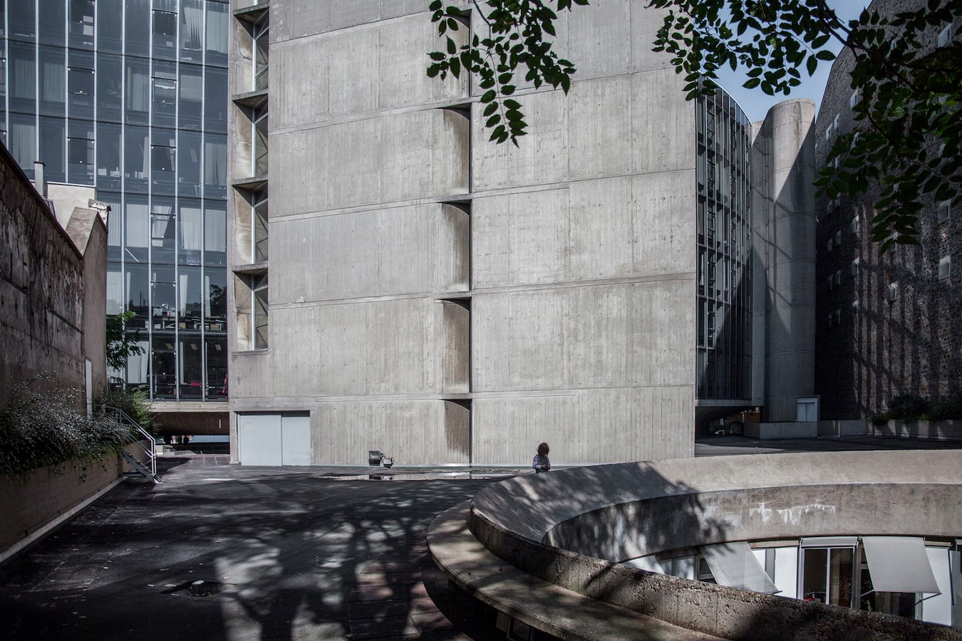 French Communist Party Headquarters by Oscar Niemeyer: Along with the City - Sheet12