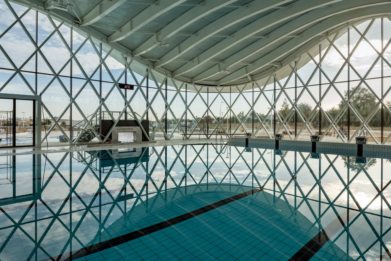 Swimming Pool In Saint Gilles Croix De Vie, by Pwyo Architects - Sheet1
